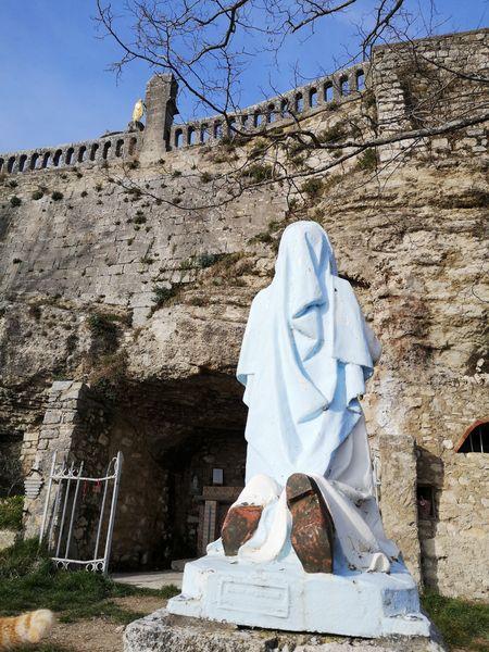 Citadelle - grotte de la Vierge