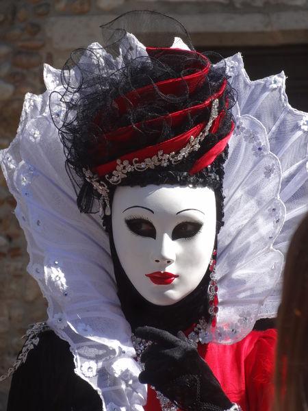 Parade vénitienne à Pérouges
