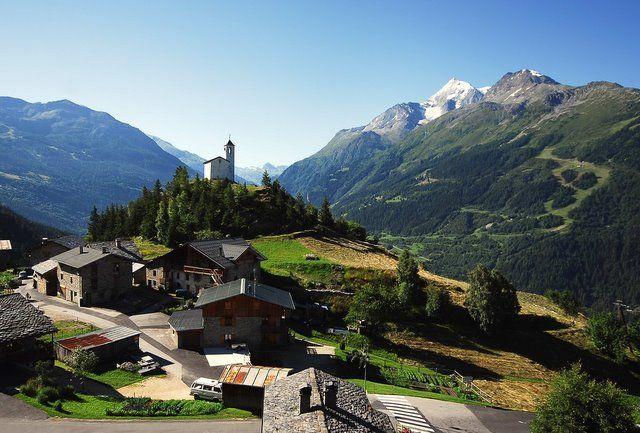 Hameau du Châtelard en Savoie - La Rosière