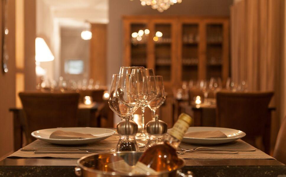 Carpe Diem - Restaurant by night - Joëlle Chabeau