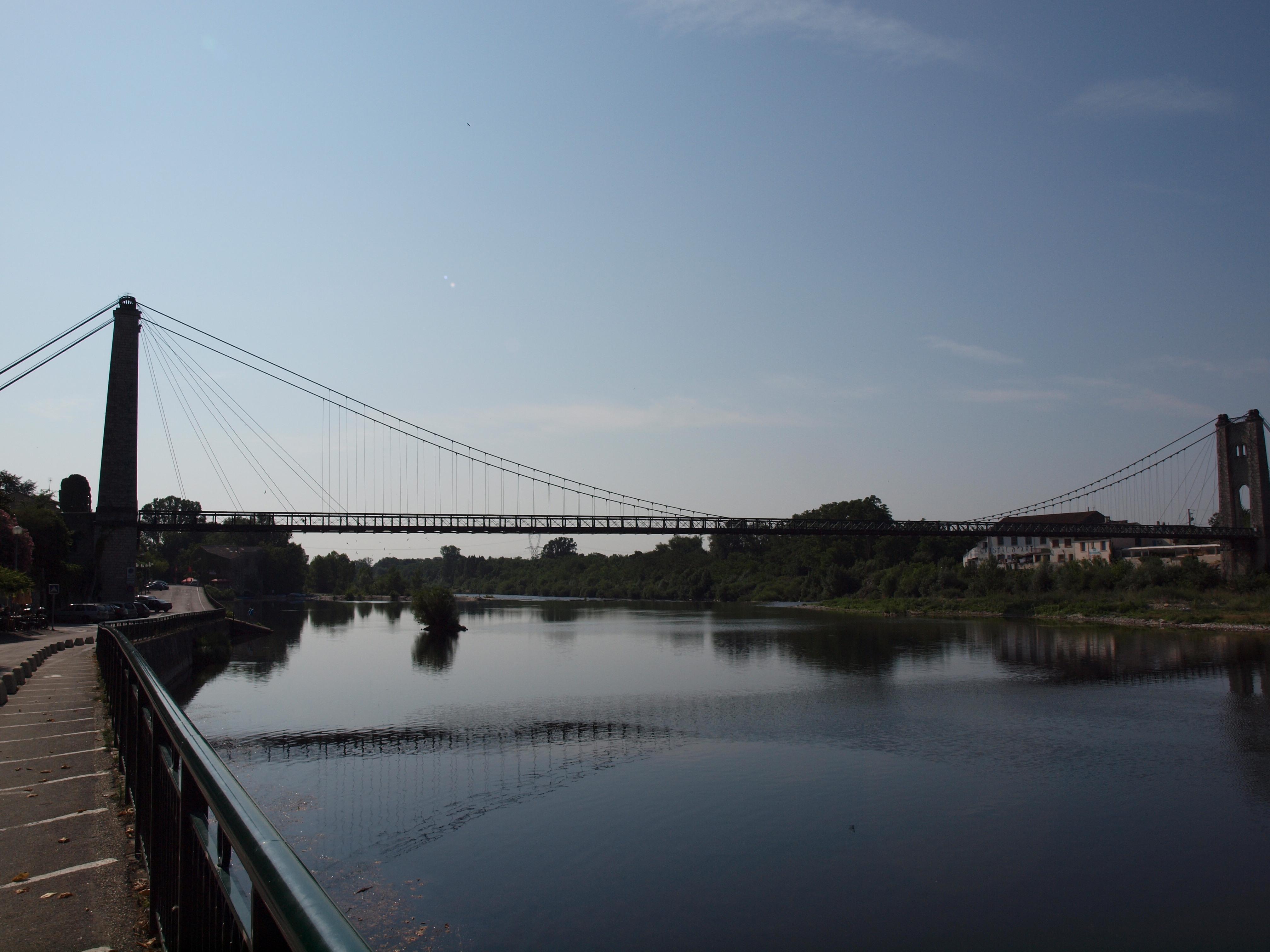 vue pont ardeche riviere