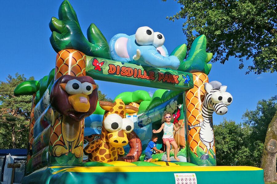 Jeux-gonflables-Camping-Saint-Disdille