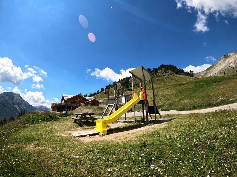 Randonnée - Le Rocher Diseur - Aire de jeux - TC du Chalvet - Office de Tourisme de Montgenèvre