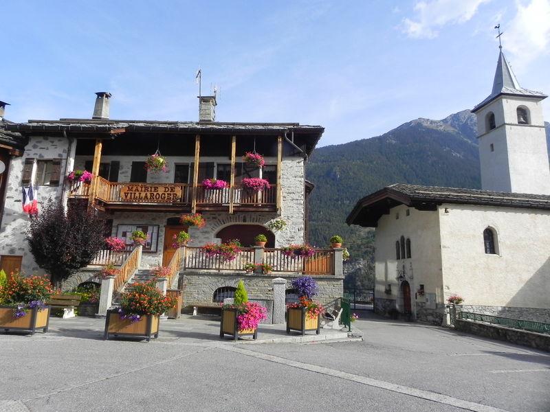 Place du village de Villaroger