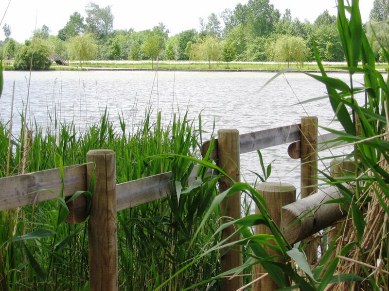 Vue du lac et dun ponton