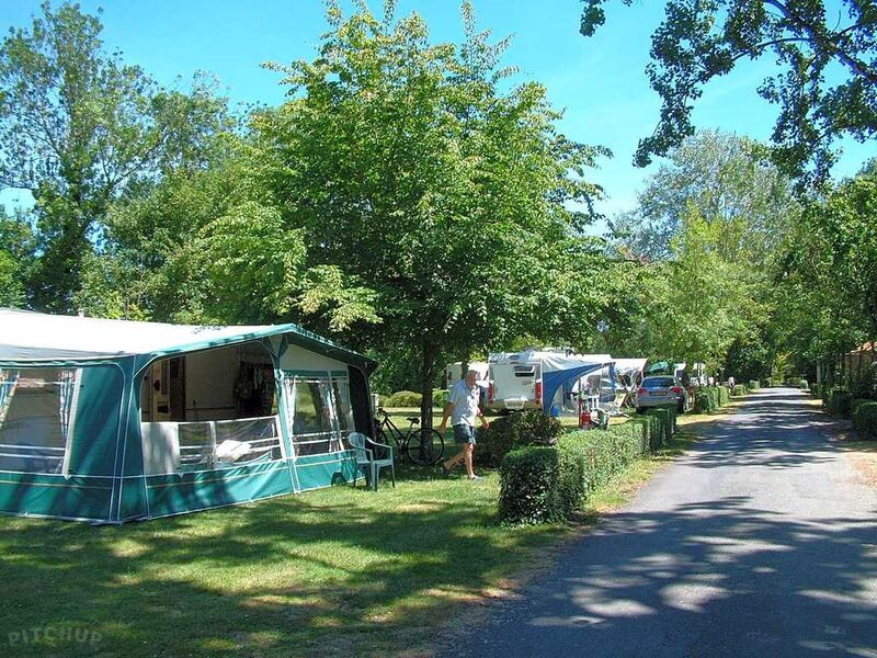 Camping Le Bois Dinot