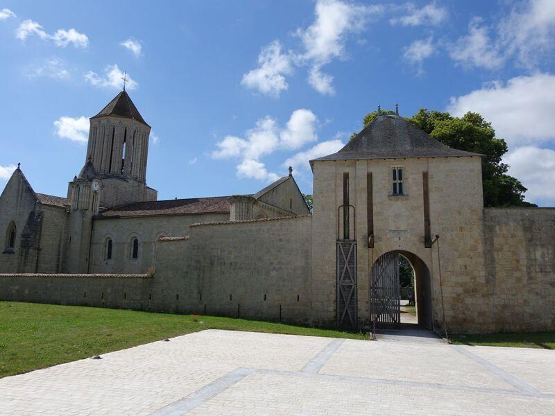 Chateau de Surgères