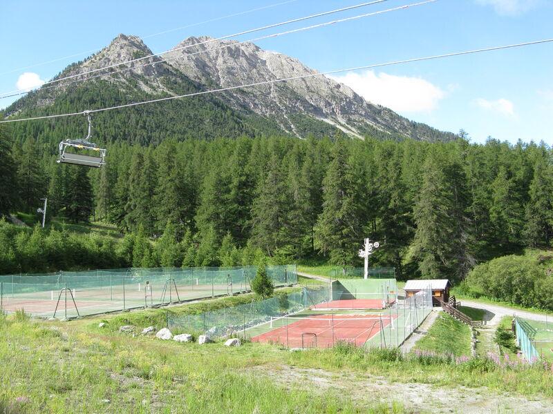 Terrain de Tennis - Terrain de Tennis - Office de Tourisme de Montegenèvre