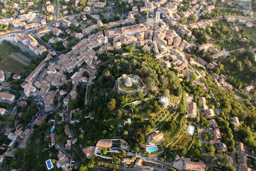 Vue aérienne de Forcalquier