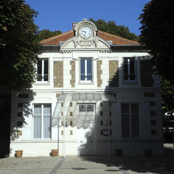 Maison de Banlieue et de l