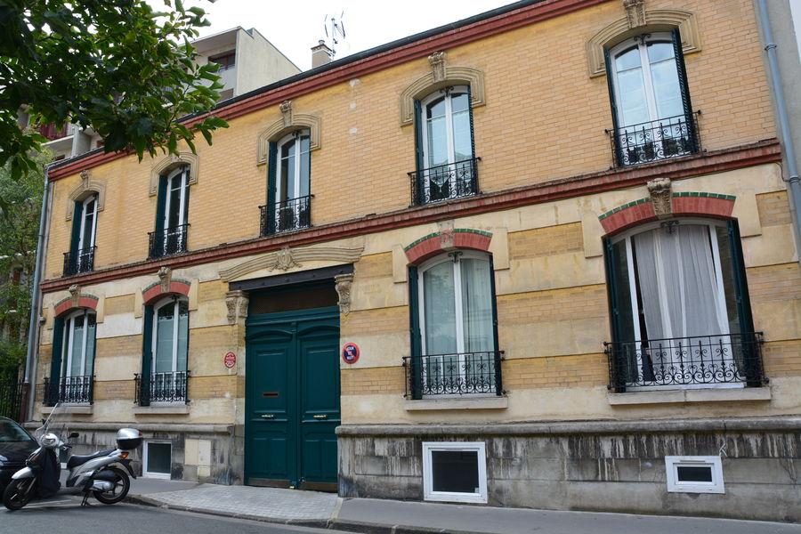 La façade de la Villa Régina