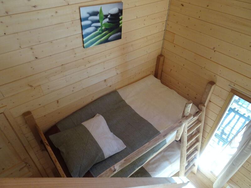 Cabane dans les arbres - Lit mezzanine - Office de Tourisme de Montgenèvre