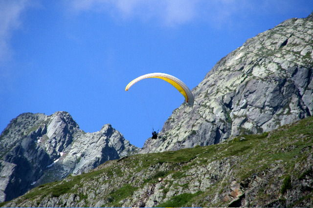 Paragliding in Arves Valley