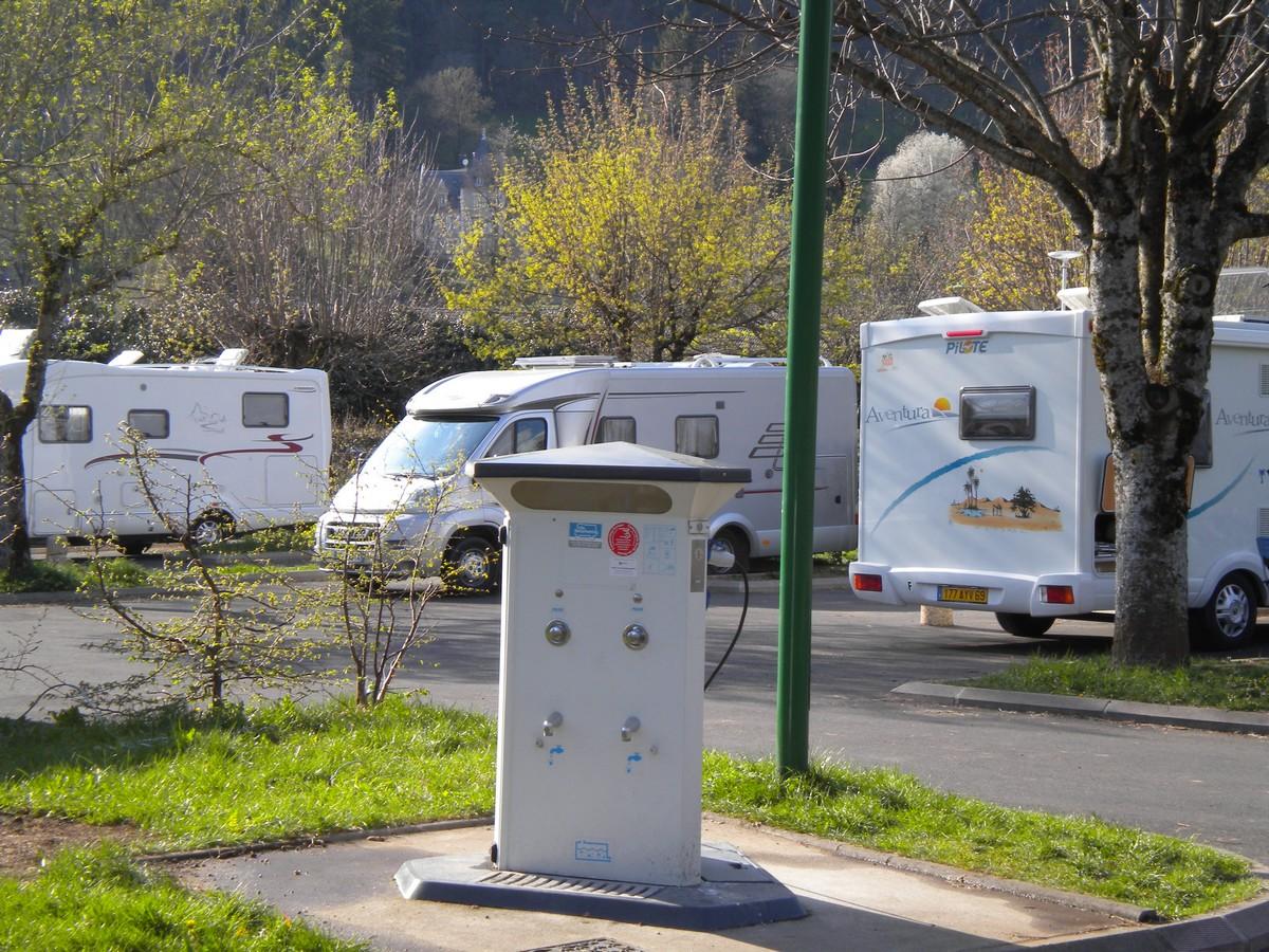 Le Vialard - Zona de acampada para autocaravanas