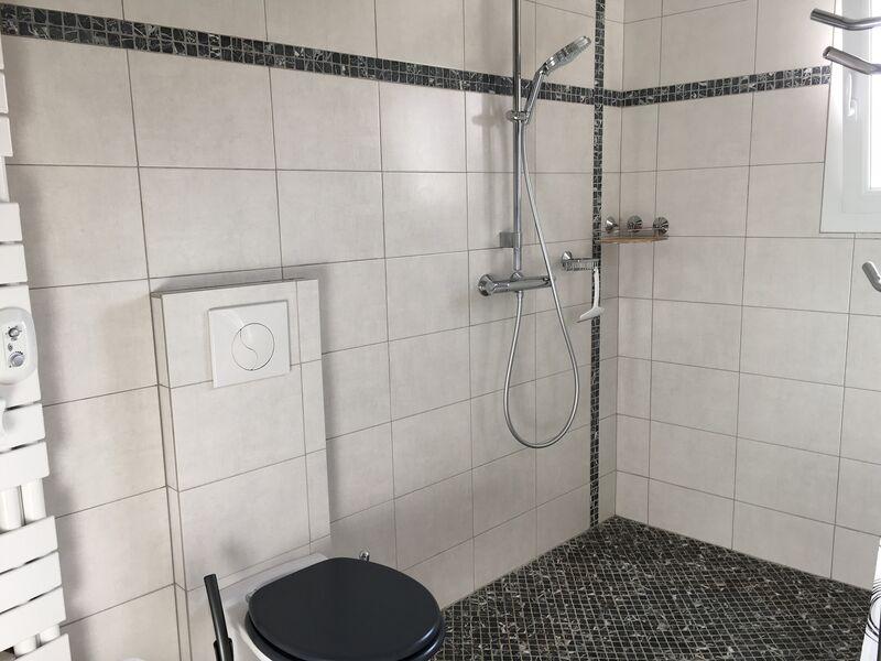 Salle deau douche et wc