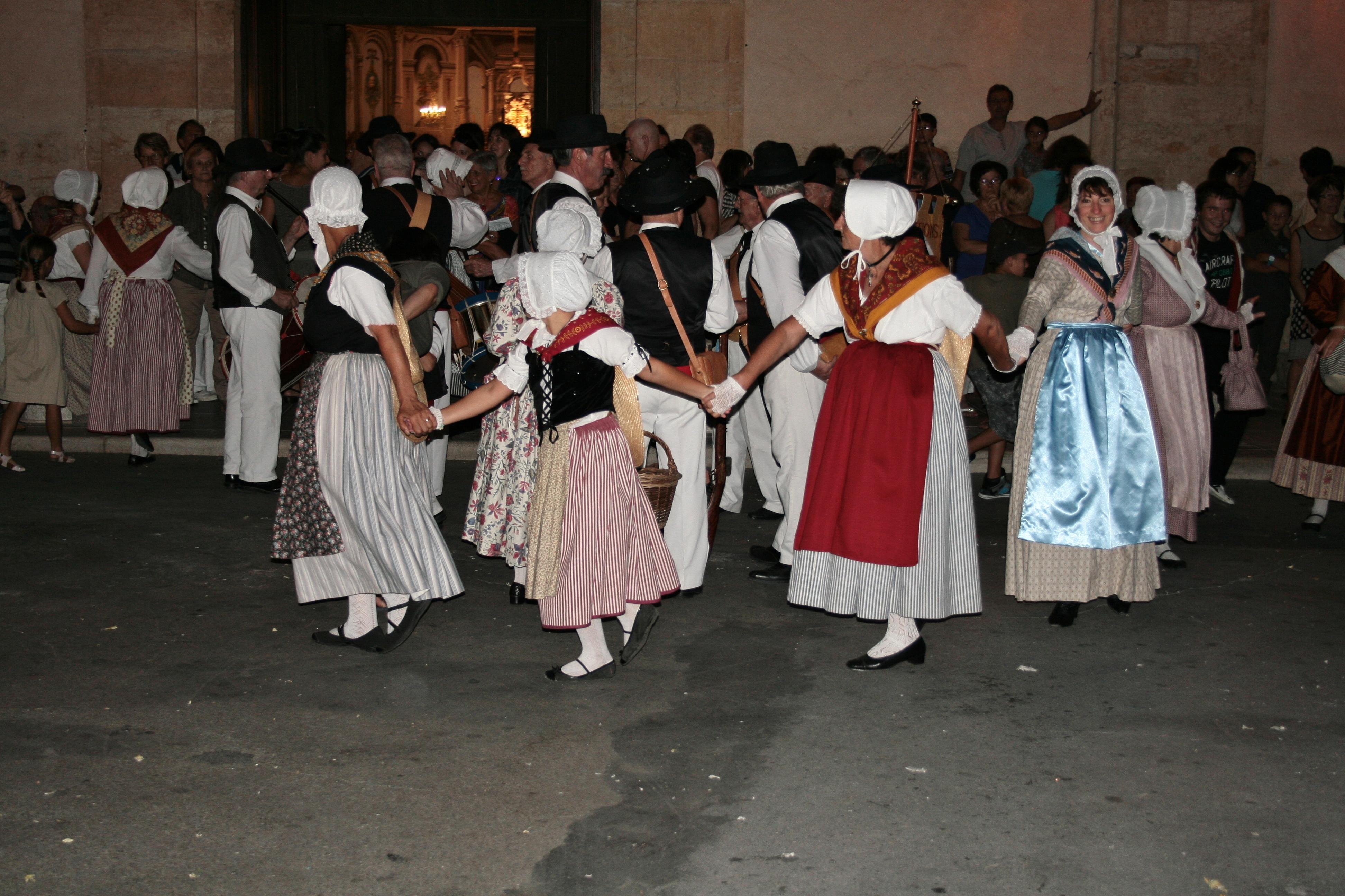 danse provençale