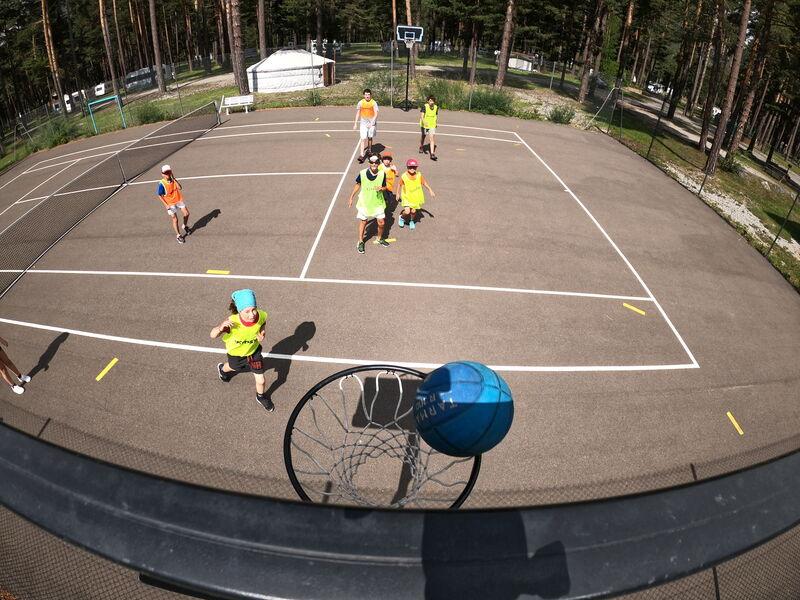 Terrain Multi-Sports des Alberts - L'Escale Ludo Sportive - Office de Tourisme de Montgenèvre