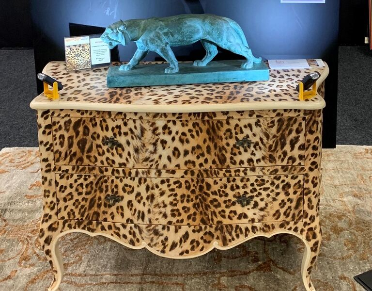 Commode leopard