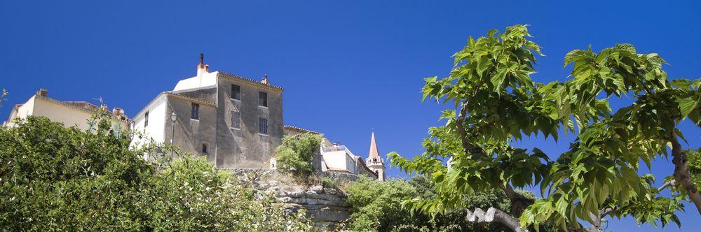 La Cadière d'Azur - Vue Nord du village - Maison du Tourisme