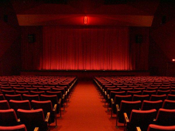 En Ardèche Buissonnière : que faire à Privas ? : Théâtre d'impro ouverture de saison