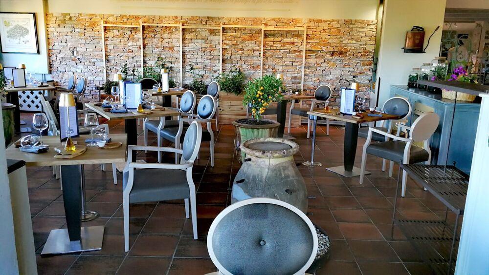Hostellerie Bérard - Salle à manger du restaurant - Hostellerie Bérard