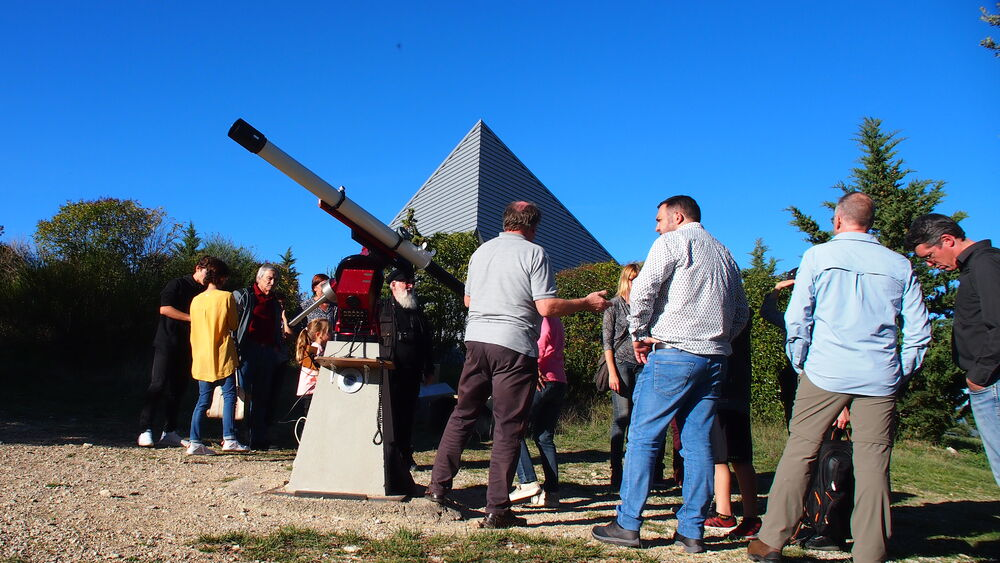 Observation du Soleil au centre d'astronomie