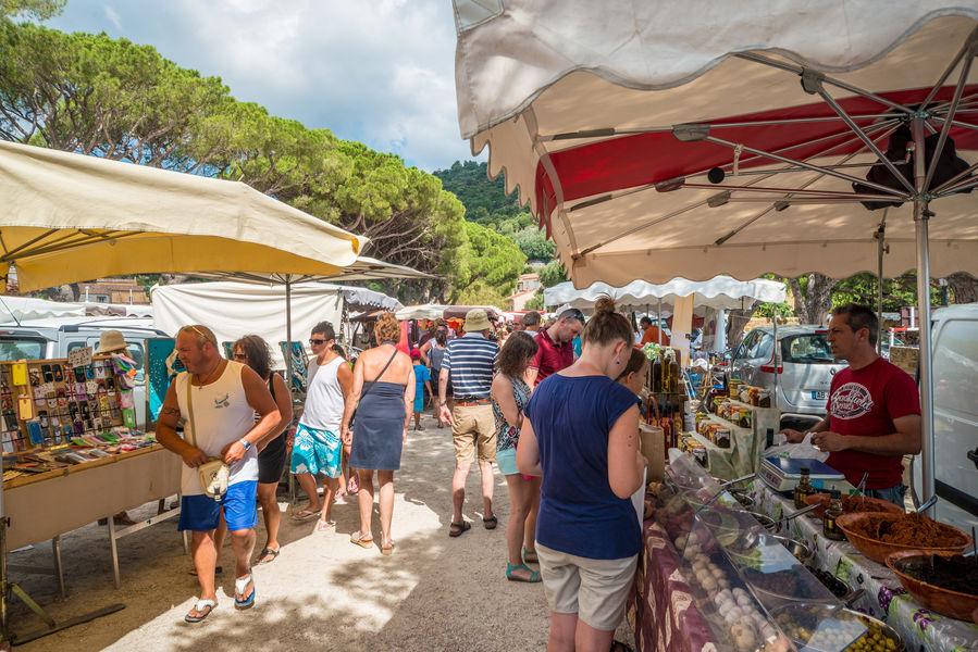 Marché artisanal et alimentaire - Village