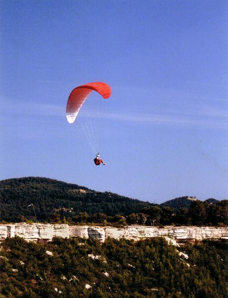 La Cadière d'Azur - Parapente au Défends - Maison du Tourisme
