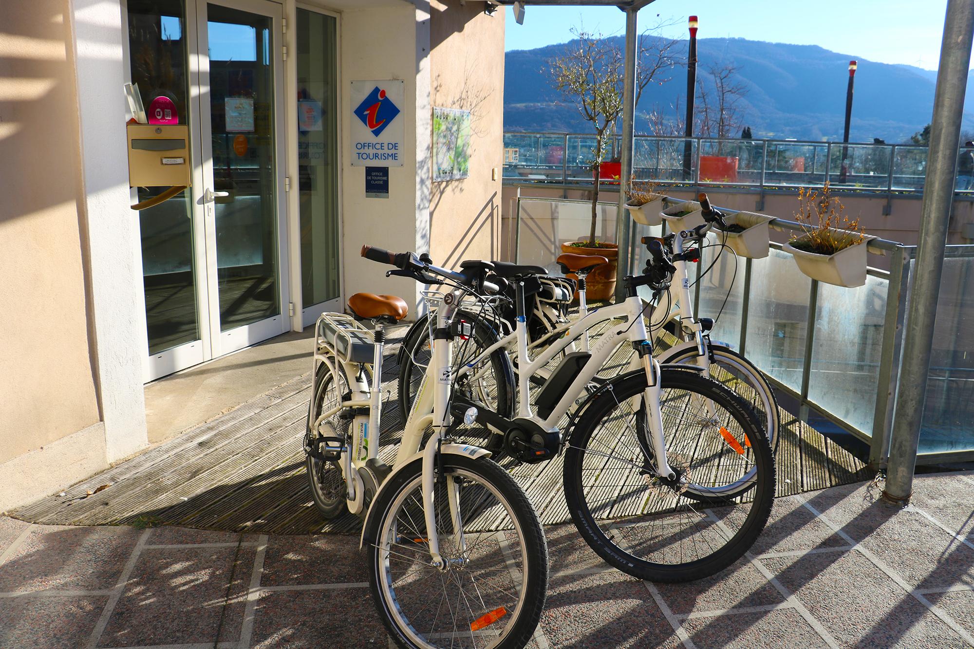 Vélo sur les voies vertes et voies douces : Location de vélos à assistance électrique
