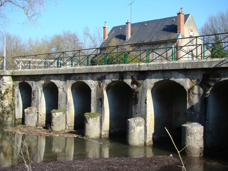 Pont canal de Néronville Château-Landon