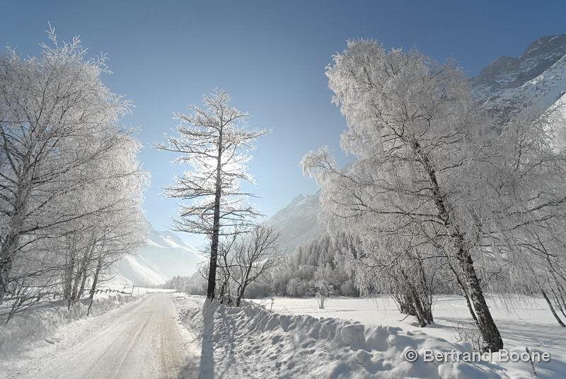 Route d'acces au Domaine Nordique du Pays de la Meije - ©Gîte Le Pas de l'Ane