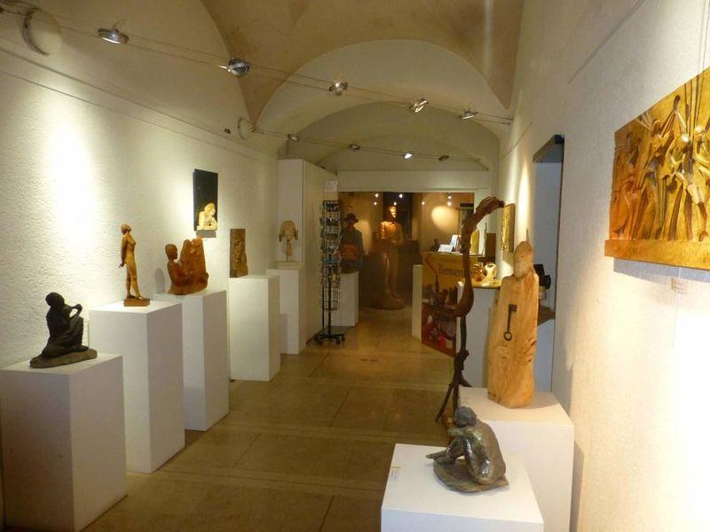 Galerie d'exposition / Patio au Centre Culturel Marius Hudry