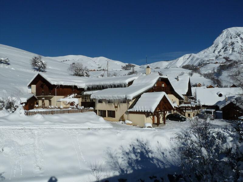 Clos d'ornon chalet sous la neige