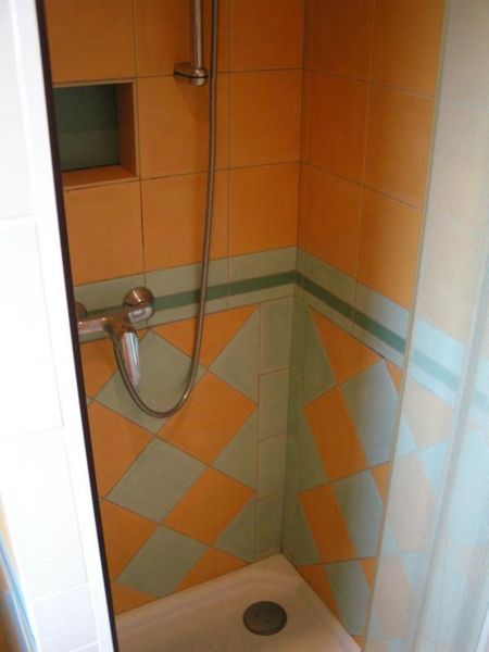 Shower - Shower - Montefusco