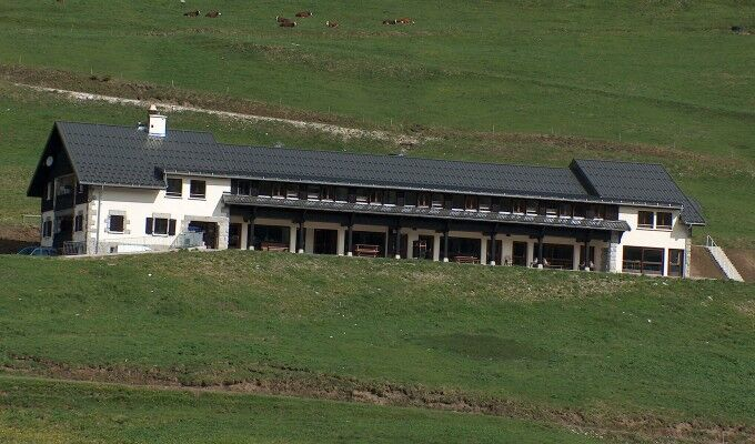 Centre de vacances La Métralière Plateau des Glières en été