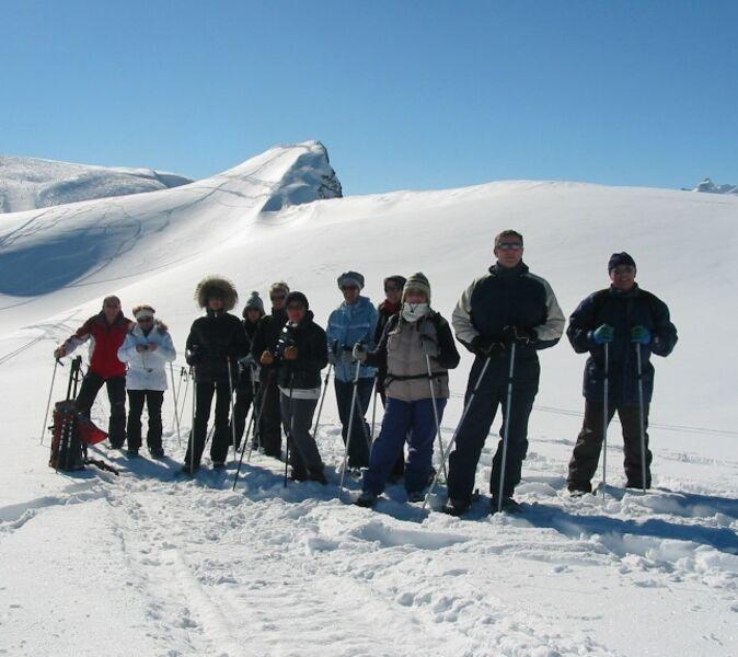 Gastronomic snowshoe walk.Esi
