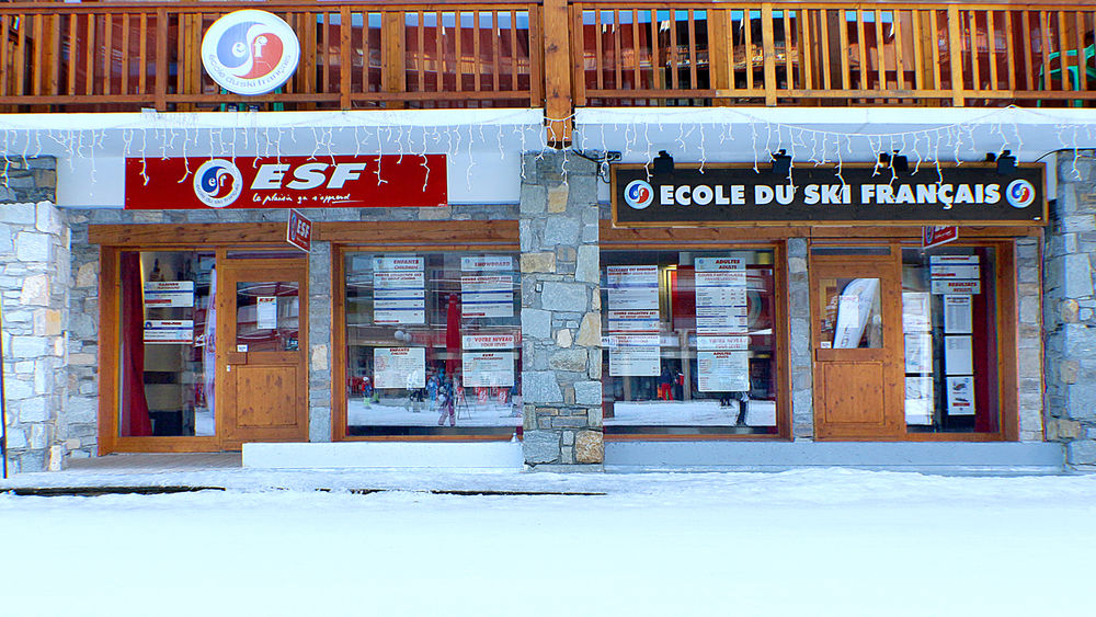 Ecole du Ski Français 2000