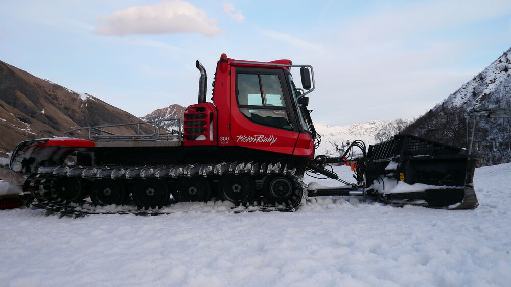 Discovery of a snow groomer