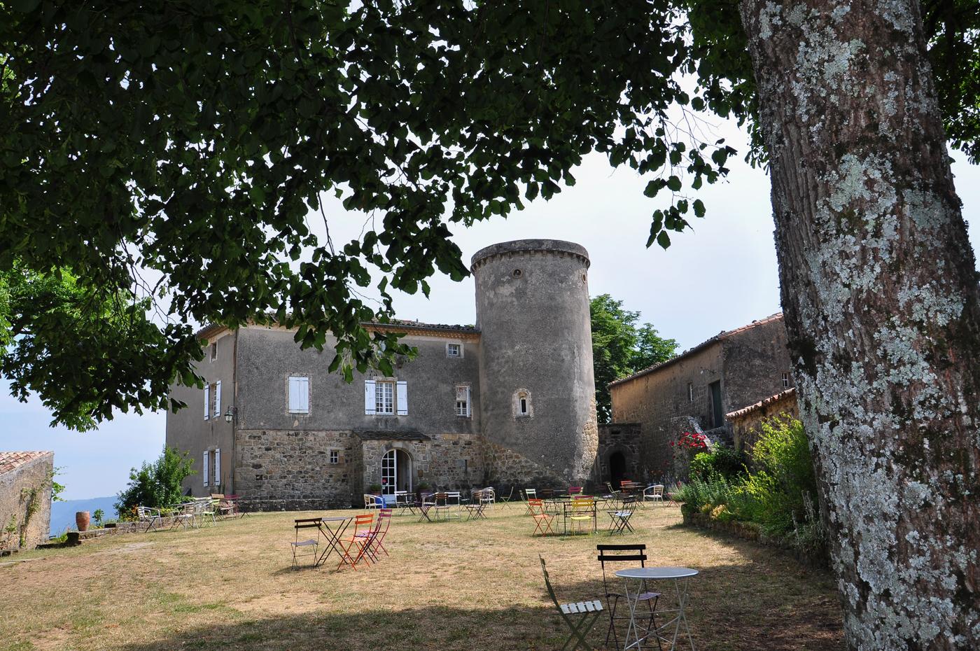 Guesthouses / B&B : Château de Liviers