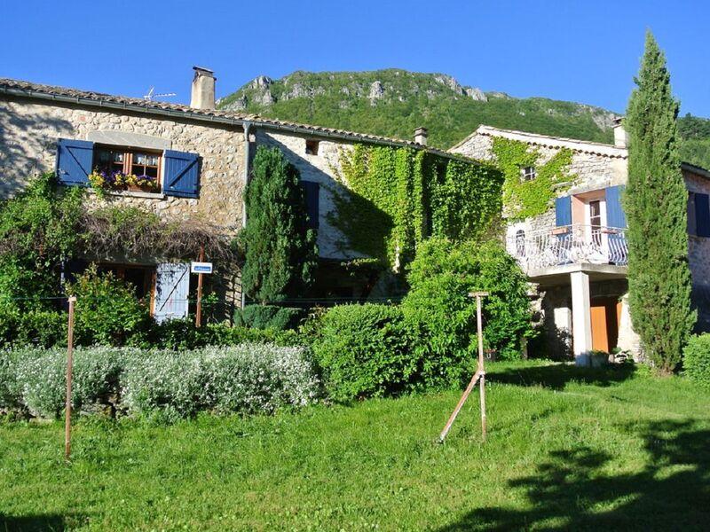 Ferme La Lucarne Châteauneuf-Miravail