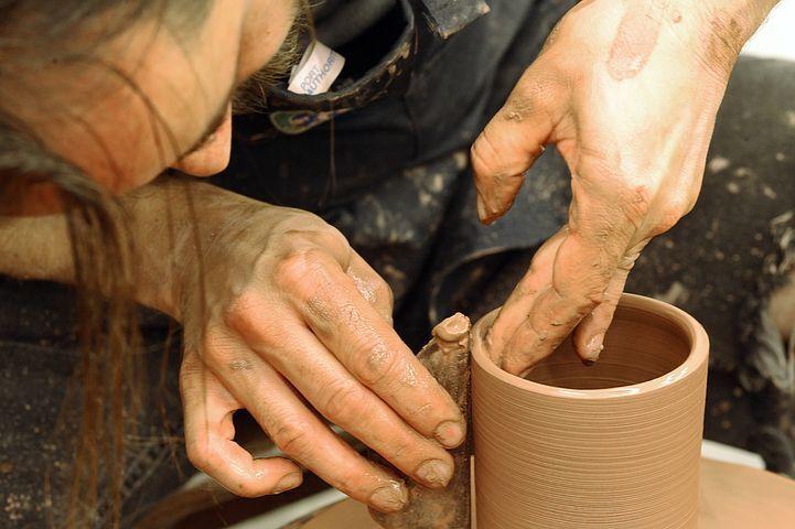 Atelier de poterie - sculpture - arts plastiques