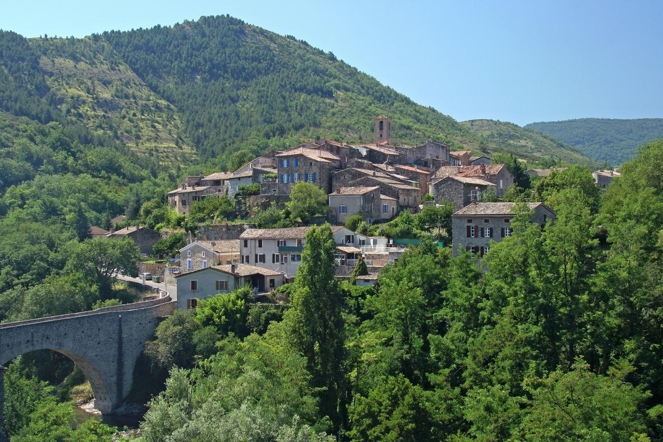 Coux, village typique d'esprit médiéval