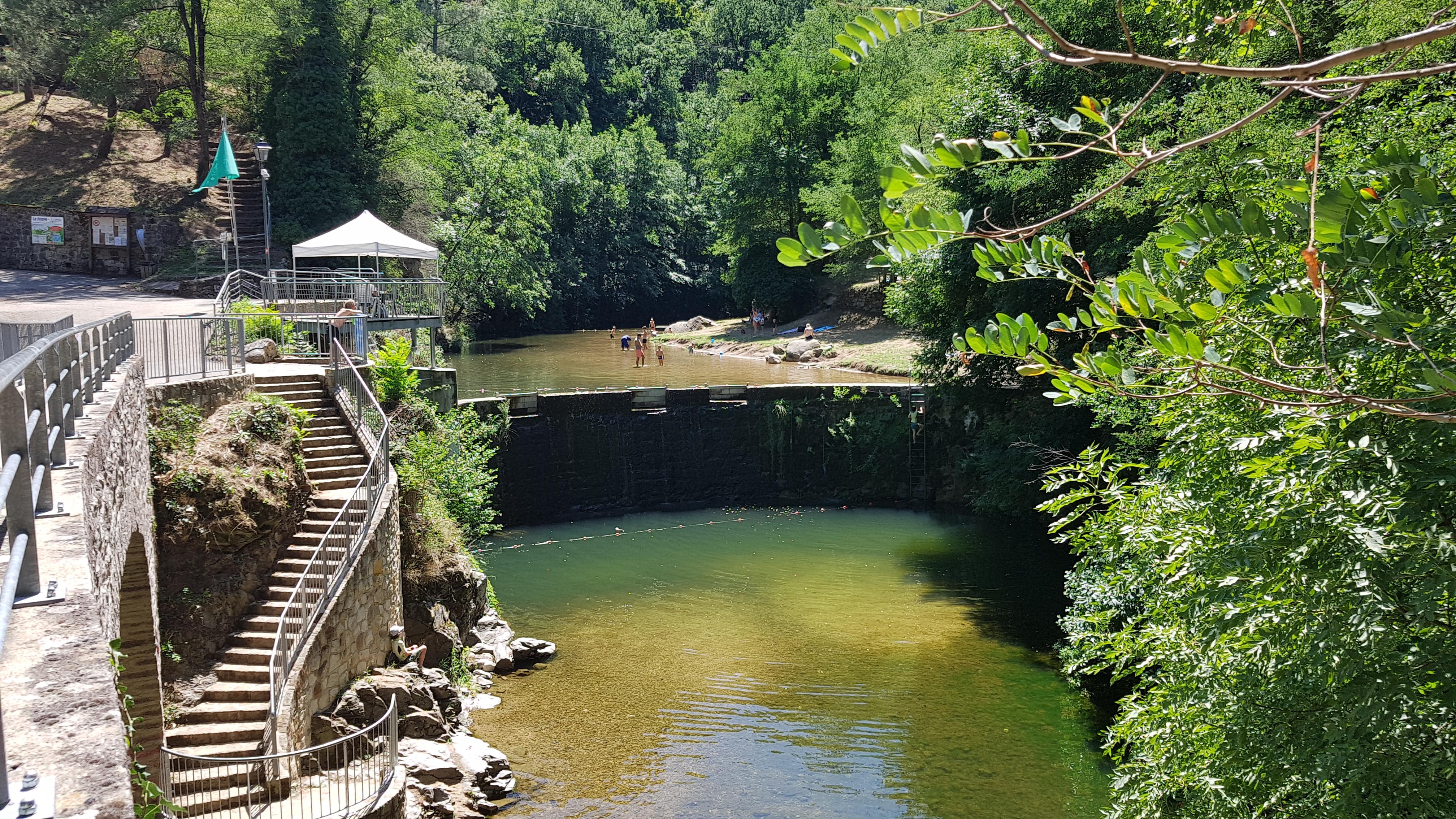 Swimming : La Neuve bathing site