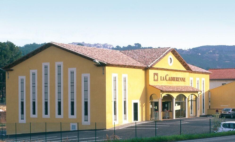 La Cadiérenne - The building - Véronique Jourdan