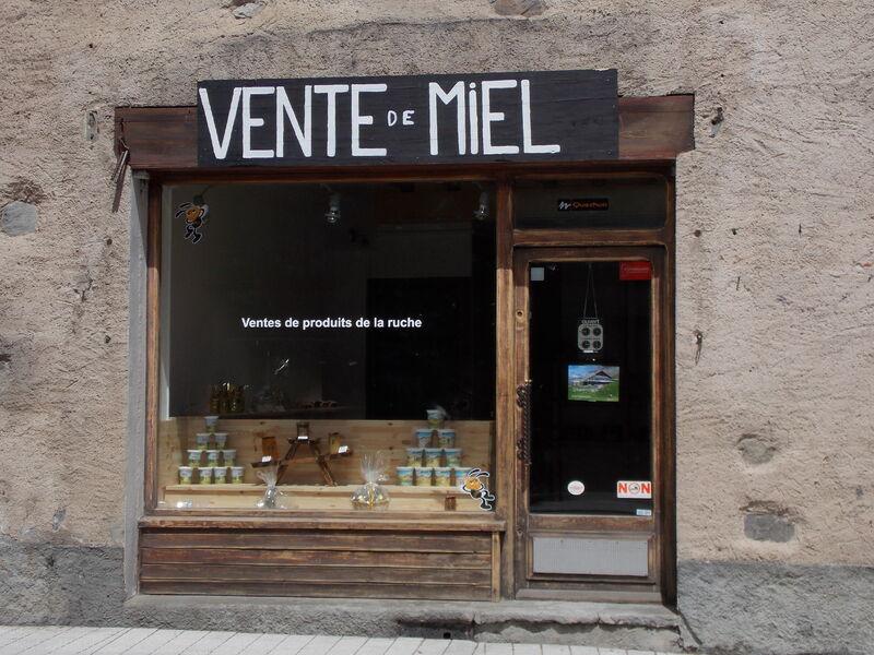 La devanture du magasin - @OTlaMeije