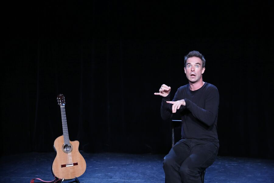 Nicolas Devort seul en scène : La Valse d'Icare