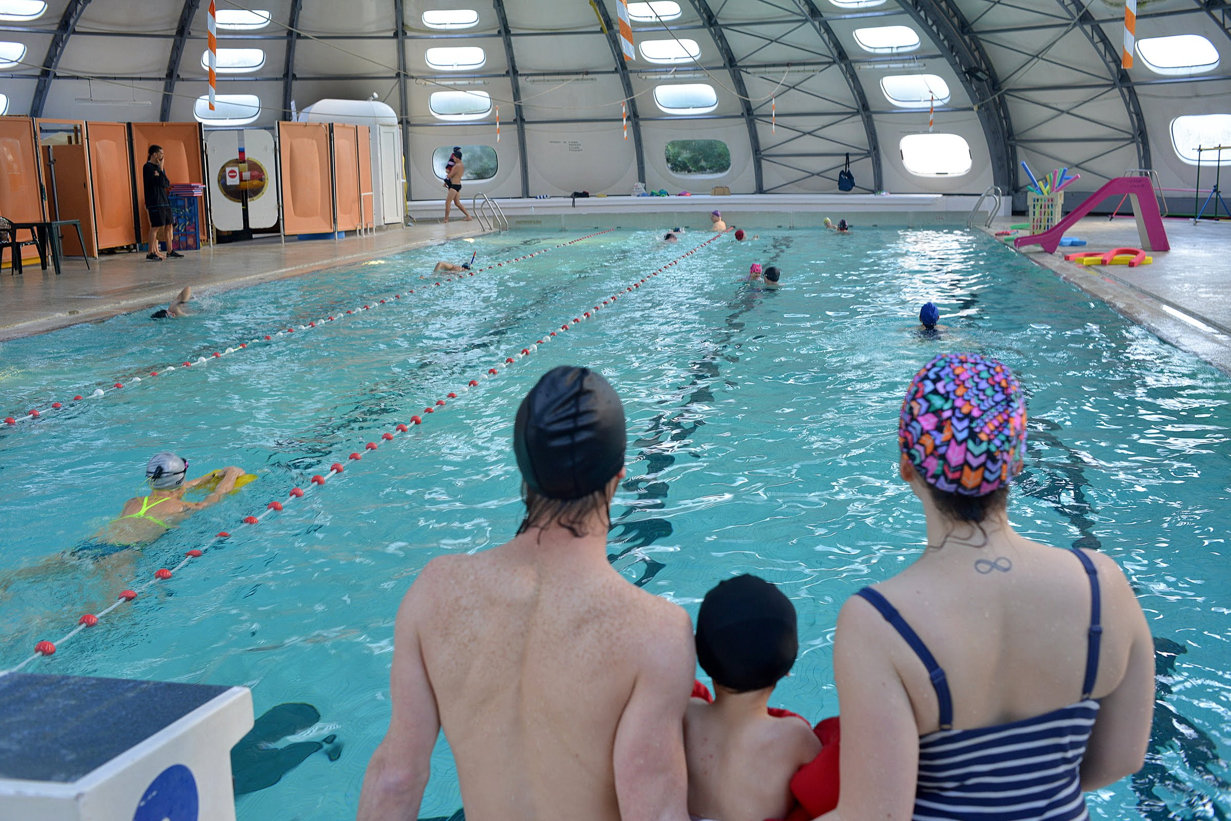 Swimming : Piscine intercommunale à Beauchastel