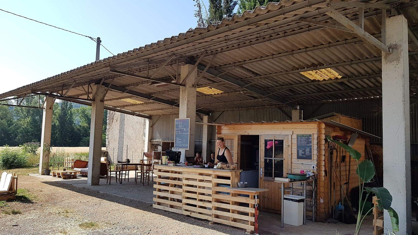 Cabra Café