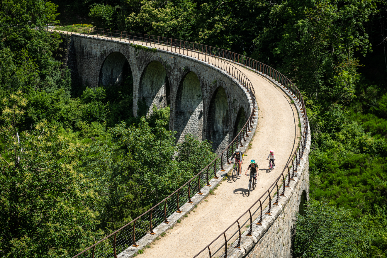 Fietsen over de groene paden : The Dolce Via from La Voulte sur Rhône to Saint-Agrève