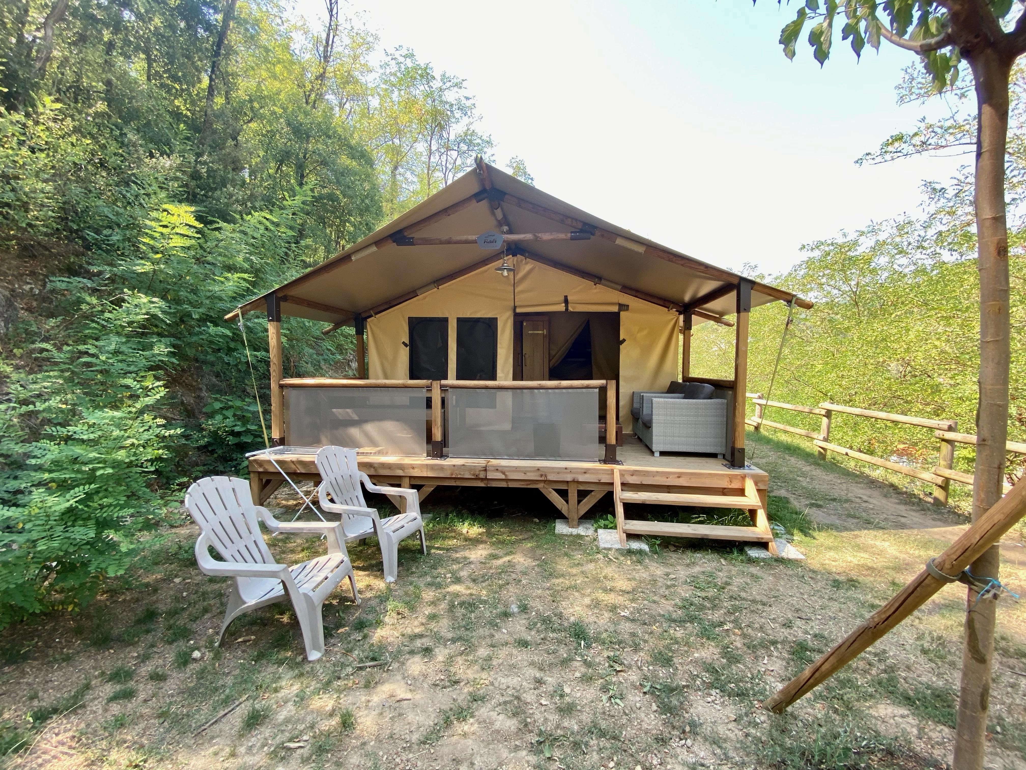 Hébergements insolites : Tentes Safari au camping Mas de Champel****